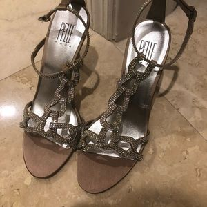 Shoes sandals new w tags
